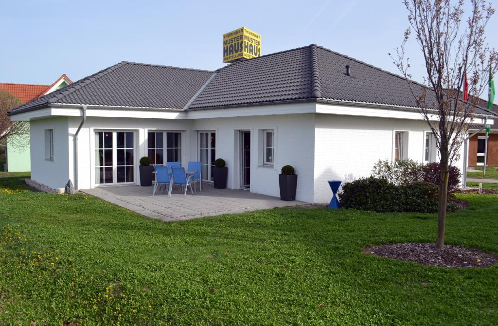 musterhaus erfurt besucht uns allkauf. Black Bedroom Furniture Sets. Home Design Ideas